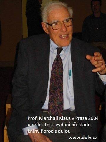 Zemřel Marshall H. Klaus, uznávaný neonatology a příznivce práce dul
